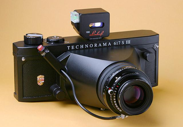 Linhof 617SIII avec objectif de 180mm (source)